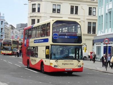 653 - YN05GZP - Brighton (North St) - 16.6.12