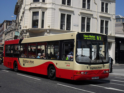211 - R221HCD - Brighton (North St) - 4.6.10