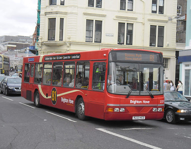 223 - R223HCD - Brighton (North St) - 31.8.11