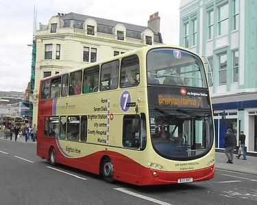 417 - BJ11XHT - Brighton (North St) - 31.8.11