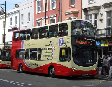 415 - BJ11XHR - Brighton (railway station) - 11.7.11
