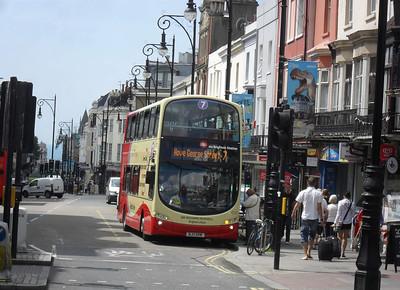 420 - BJ11XHW - Brighton (railway station) - 11.7.11