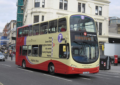 411 - BJ11XHM - Brighton (North St) - 31.8.11