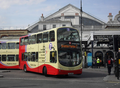 413 - BJ11XHO - Brighton (railway station) - 11.7.11