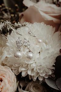 13_E+T Bridal Prep at Sandstone Point Hotel_She_Said_Yes_Wedding_Photography_Brisbane