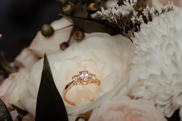 8_E+T Bridal Prep at Sandstone Point Hotel_She_Said_Yes_Wedding_Photography_Brisbane
