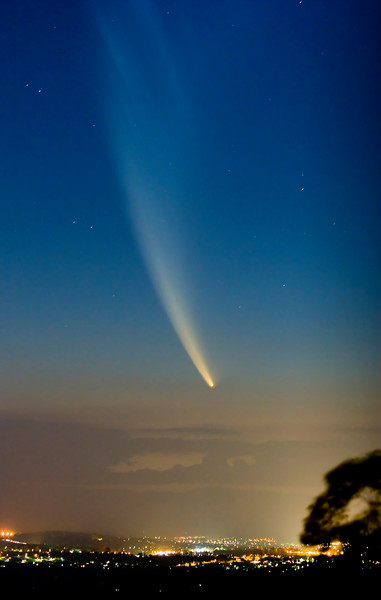 comet mcnaught over brisbane comet mcnaught australia comet mcnaught queensland comet mcnaught bright in sky story bridge sunrise brisbane images brisbane photo library stock photos for sale brisbane stock photography