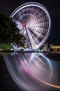 The Wheel of Brisbane at night.
