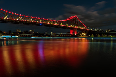 Story Bridge at night.