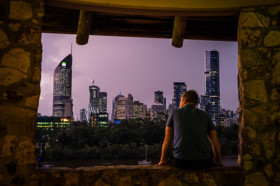 View of Brisbane city skyline from Kangaroo Point Cliffs Lookout.