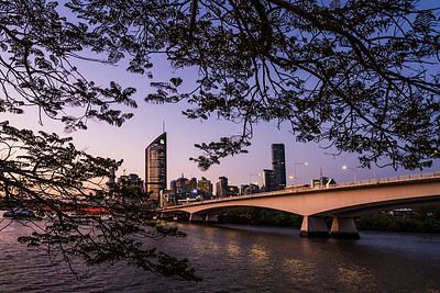View of Brisbane city skyline.
