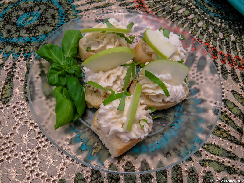 Basil and Apple Goat Cheese Bruschetta