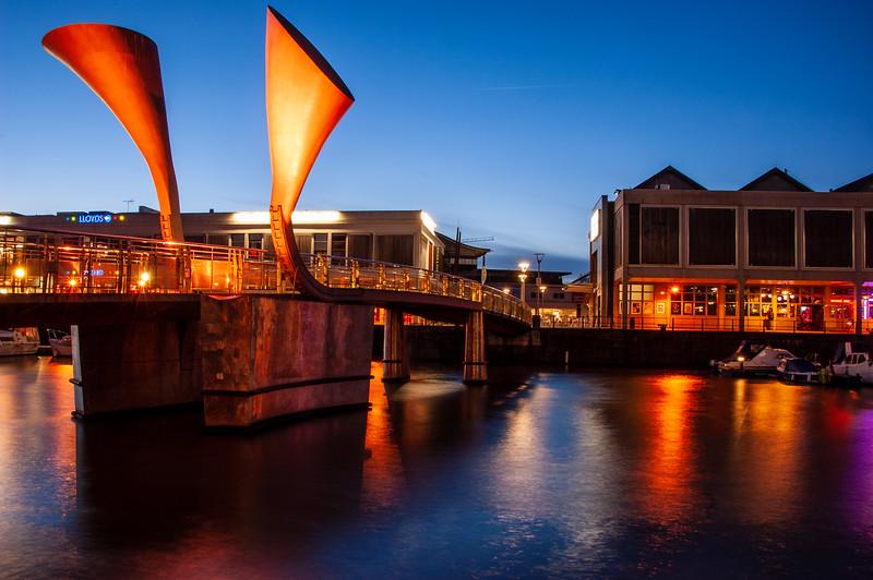 Pero's Bridge at night