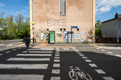 Parallel cycle crossing