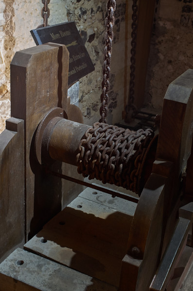 Portcullis Chains
