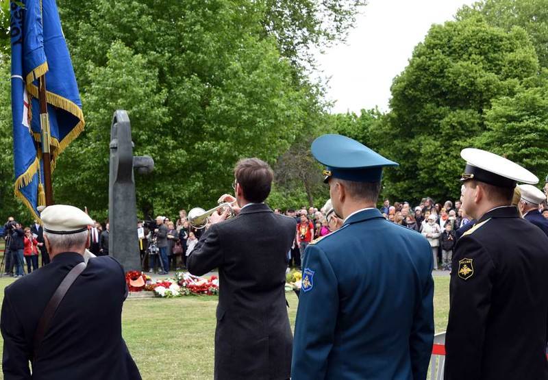 Soviet VE Day commemoration, Geraldine Mary Harmsworth Park, Southwark, London, 9 May 2017 3.