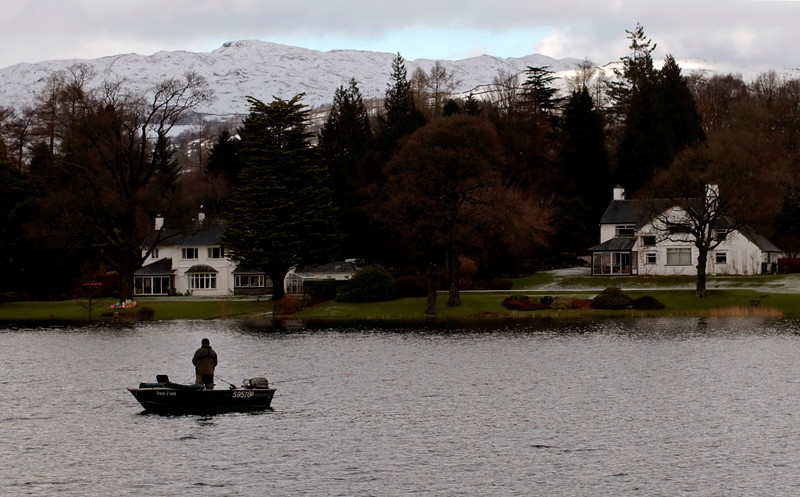 Gone fishing, Windermere north of Bowness, 23 January 2009