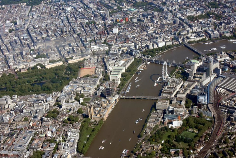 St James's Park and Whitehall (left) and Thames South Bank, 12 May 2019 - 1027.
