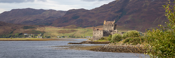 Eilean Donan Castle near the bridge to Skye