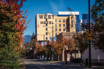 West Hotel & Bar