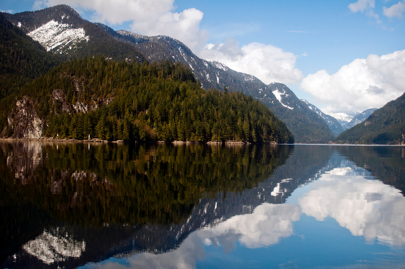 Reflecting mountains