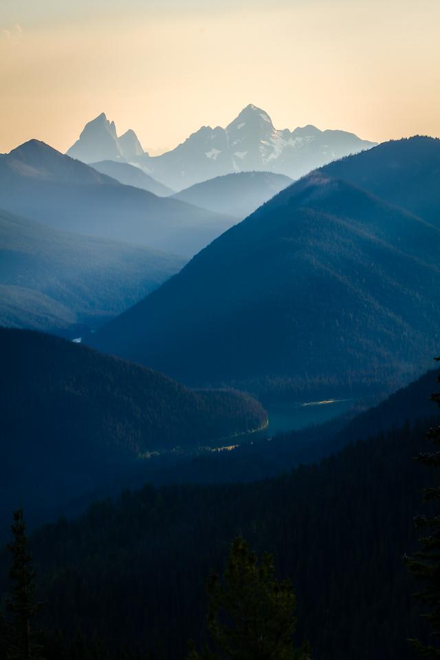 Sunrays on the Mountains