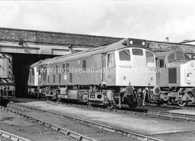 25065 24/5/77 Wigan Springs Depot Withdrawn 02/81 HA	Cut-Up 02/82 Swindon Works