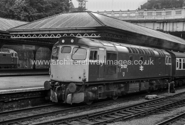 27007 25/8/83 Edinburgh Waverley
