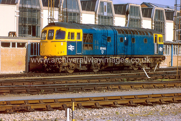 33005 8/5/84 Bristol Bath Road Depot Withdrawn 07/87 EHCut-Up 10/90 Vic Berry, Leicester