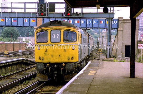 33015 17/7/87 Southampton Withdrawn 07/89 EHCut-Up 11/90 Vic Berry, Leicester