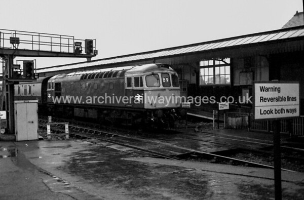 33003 9/11/84 Salisbury Withdrawn 08/87 EHCut-Up 09/90 by Vic Berry at Eastleigh Depot
