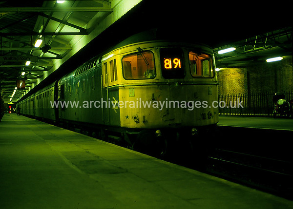 33011 3/2/86 Salisbury Withdrawn 03/89 SLCut-Up 11/90 Vic Berry, Leicester