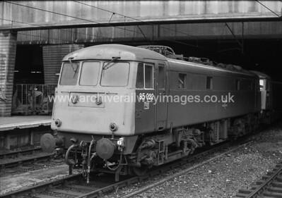 85022 31/7/82 Birmingham New St.