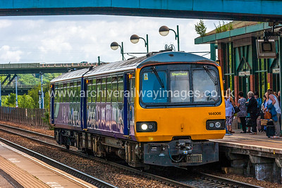 144006 27/6/15 Meadowhall Interchange