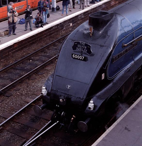 60007 Sir Nigwl Gresley, Carlisle, 30 Sept 1995