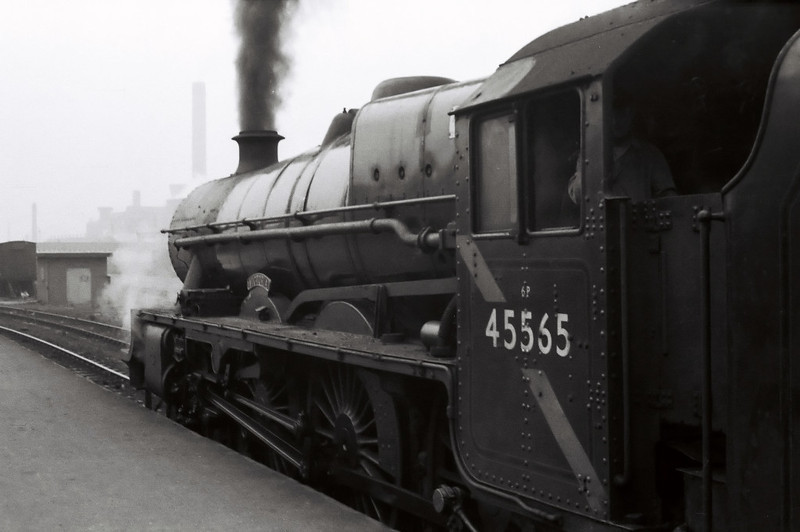 45565 Victoria, 1X04, Bradford Forster Square, 24 September 1966 2.  The Jubilee had been built by North British in 1934.  It was withdrawn four months after this tour.