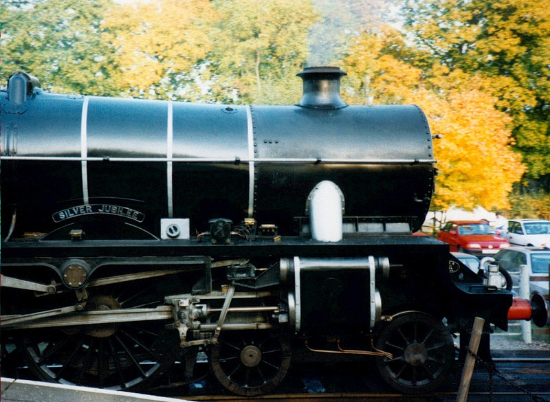 '45552 Silver Jubilee' [45593], Quorn, 1994.  The livery and name of the Jubilee class leader were recreated for the Great Central Rly's 25th anniversary.
