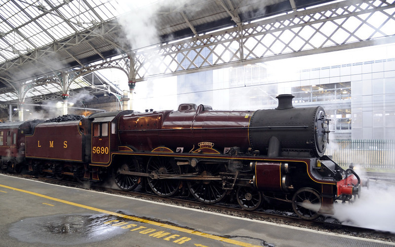 5690 Leander, 1Z65, Preston, Sat 26 February 2011 - 0747.    Leander stands with the 'Buxton Spa Express' from Lancaster, due away at 0802.  This was Leander's last outing before starting an overhaul at Carnforth.