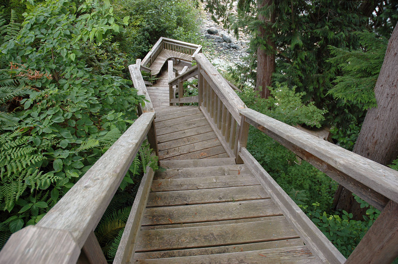 In all, there are 88 steps down to the ocean.