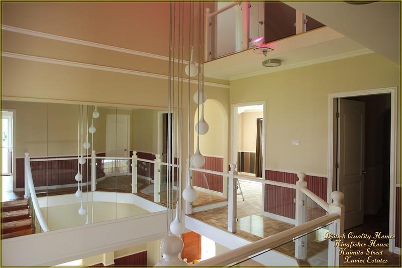 Split Level Landing, Glazed Balustrade Panels & 13000+ Tugas Floor Tiles