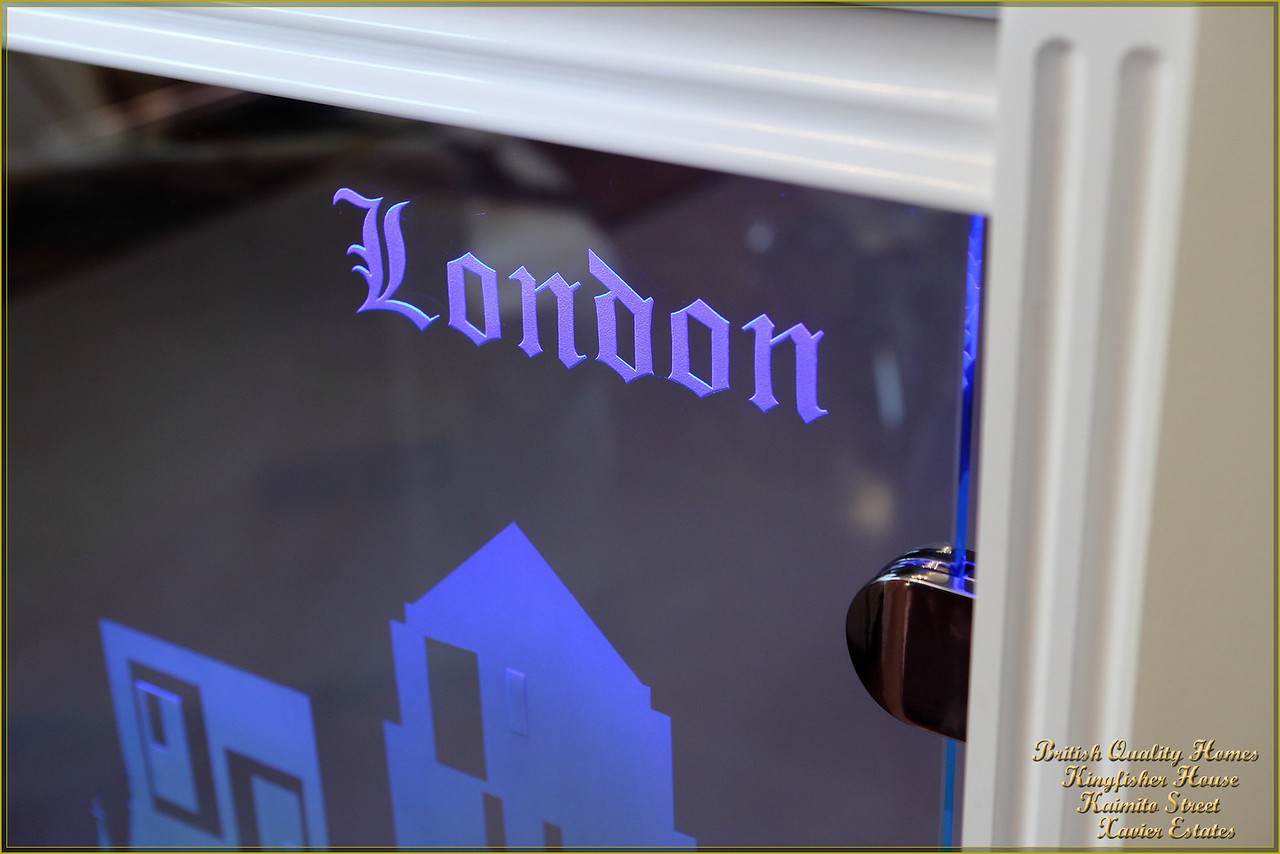 Prismatic LED Illuminated Etched Glazed Balustrade Panels