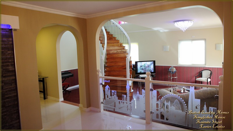 Entrance Hall and Opening to Sunken Lounge
