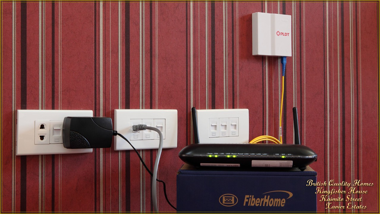 Pre-Installed Optic Fibre and Cable Internet/TV Services Hardwired to 8 Rooms