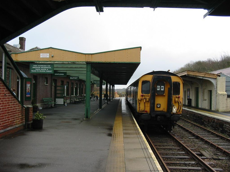 Standing a platform 3, TC unit with class 08 shunter at rear - 21 January 2007.