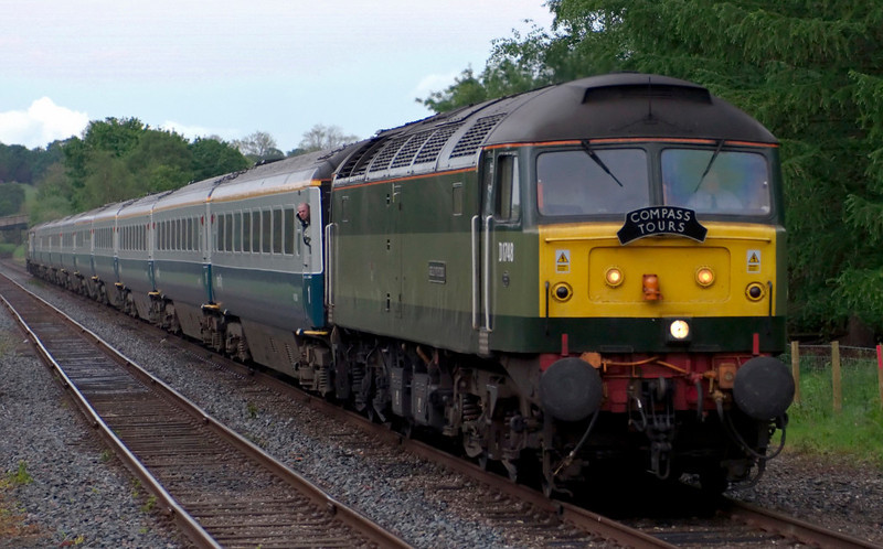 47815 / D1748 Great Western, 1Z63, Wennington, 28 May 2007 - 1938.  The return leg of Compass Tours' Barrow - Newcastle Craven-Tyne Explorer heads for Carnforth about 15 early.  The 10 Cargo D Mark 3s were 9508, 12014, 12043, 12038, 12053, 10202, 11083, 11086, 11071 & 11084, and 47812 was on the rear.