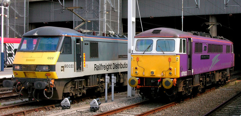 90022 Freightconnection & 87002 The AC Locomotive Group, Euston, Fri 13 May 2005 - 1432