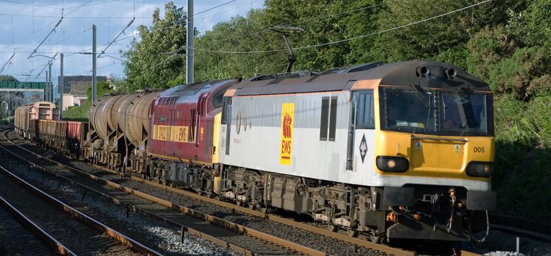 92005 Mozart & 37422 Cardiff Canton, 6O12, Hest Bank, Thurs 27 June 2007 - 1907.  EWS use the 1715 Carlisle - Eastleigh Enterprise to move the 37 as far as Warrington.