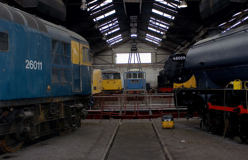 26011 & 68009, Barrow Hill, 11 March 2006