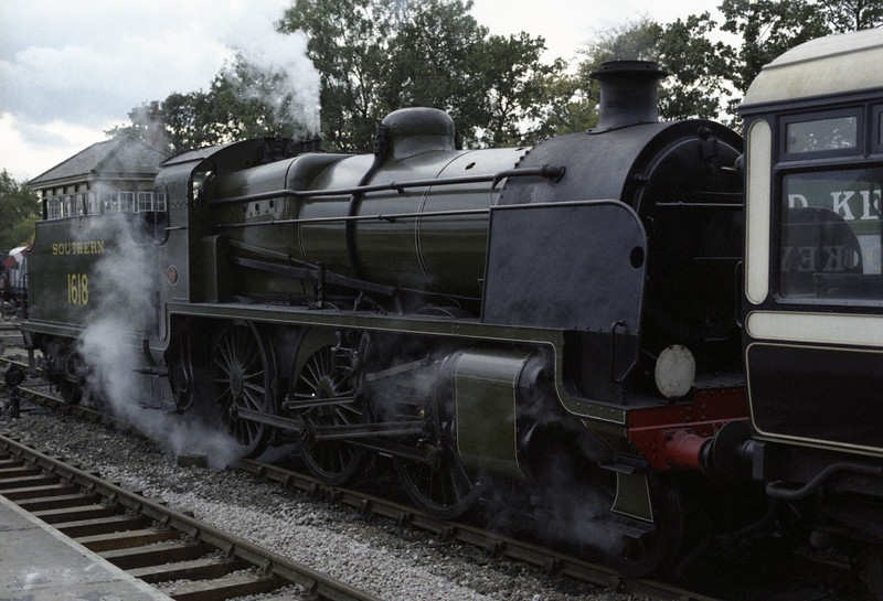 Southern Rly 1618, Horsted Keynes, 1989 1