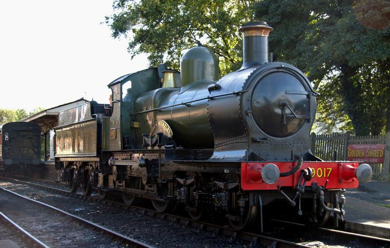 9017 Earl of Berkeley, Sheffield Park, 16 September 2007 2 - 1547.   The 1938 GWR 'Dukedog' 4-4-0 backs onto its train, the 1600 vintage branch line train to Kingscote.